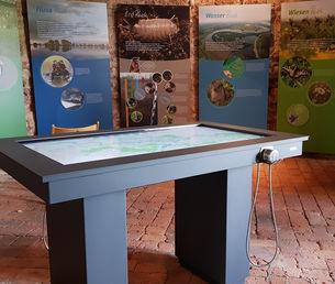 Der neue interaktive Tisch im Lenzener Burgturm (Kessler&Co)